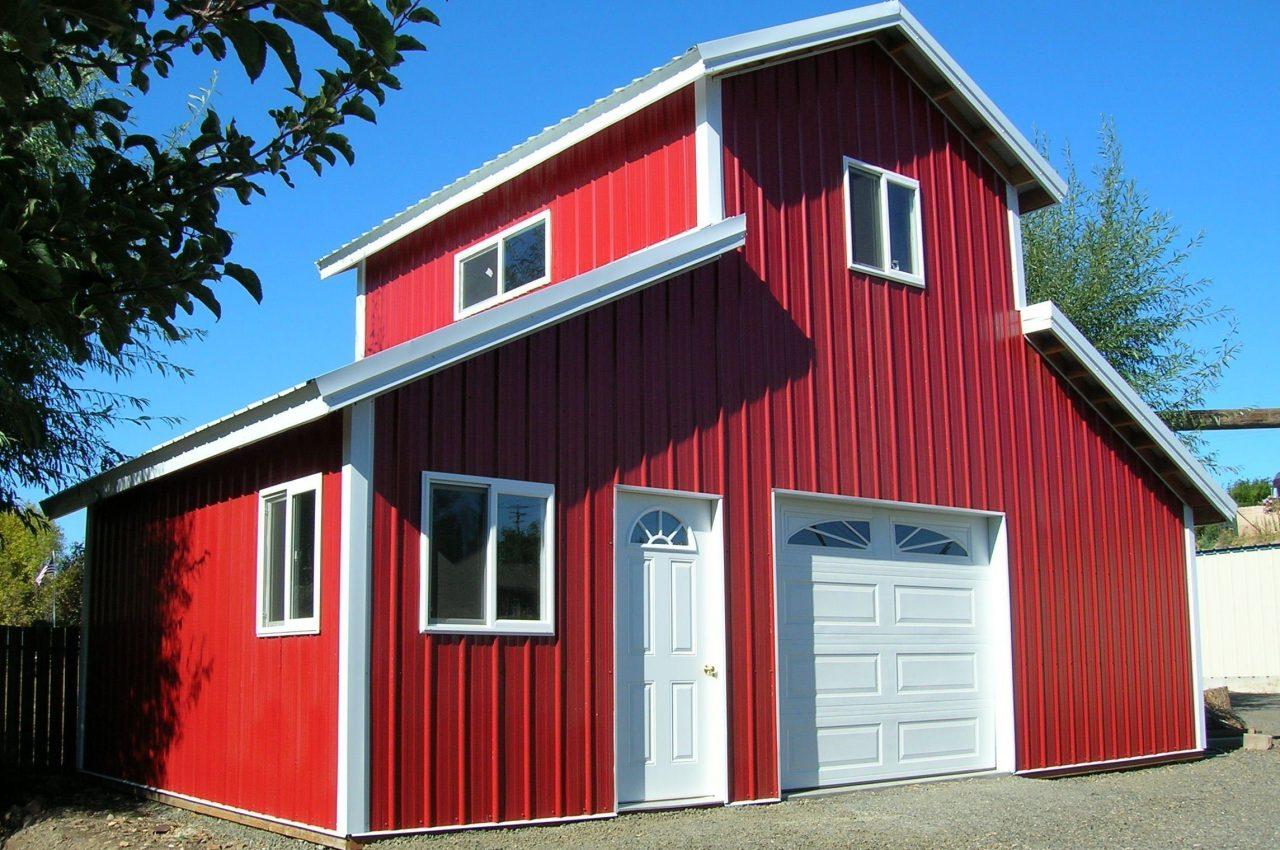 Small Barndominium - Red with Garagage door